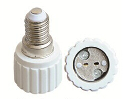 E14 to MR16B light bulb socket adapter