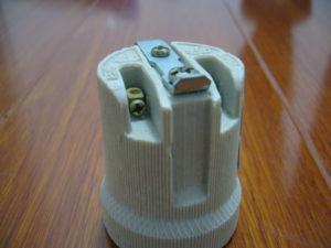 E27 F519B ceramic lamp holder with bracket