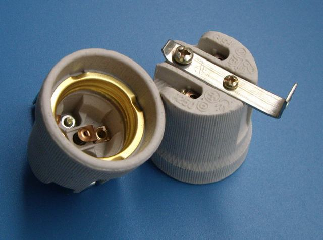 E27 ceramic lamp holder F519B with bracket